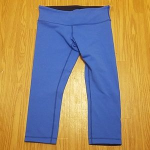 Lululemon blue cropped leggings